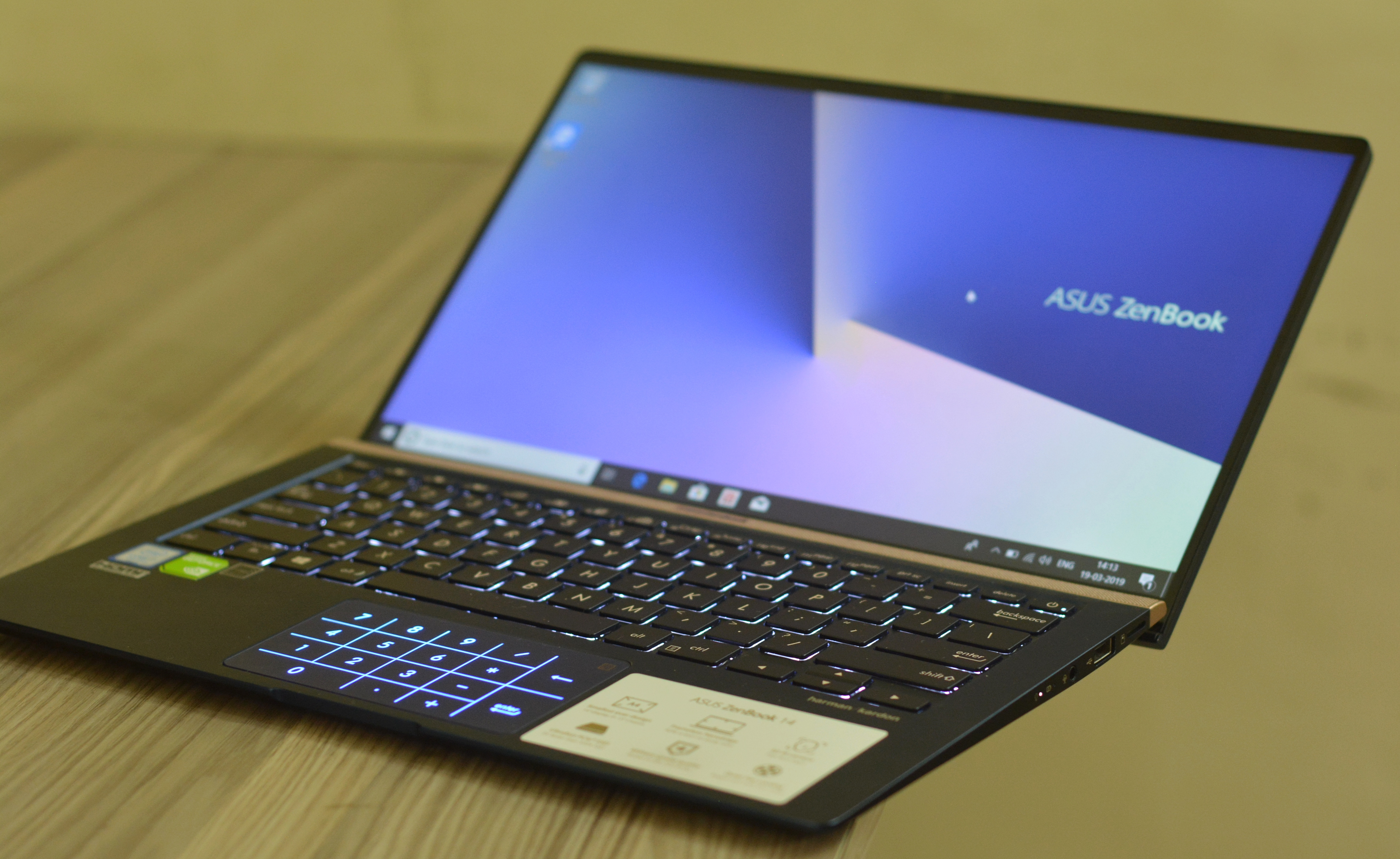 4bb4656baa527 Asus Zenbook 14 UX433F Laptop Review-The compact performer - TechUNeed