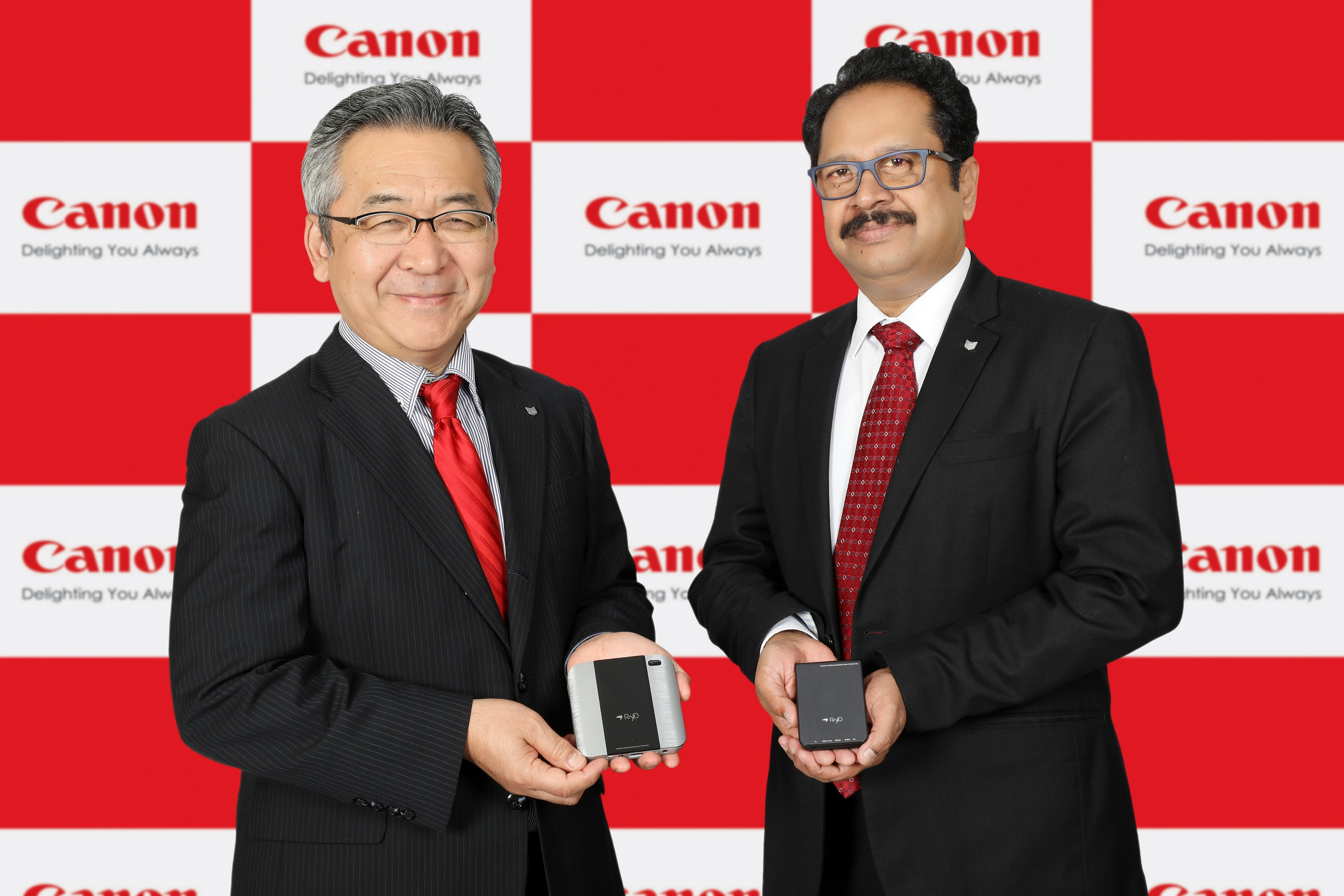 Mr. Kazutada Kobayashi, President & CEO, Canon India and Mr. K. Bhaskhar